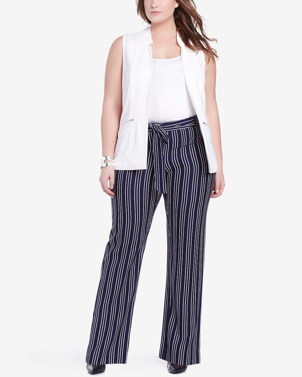 Offered in a classic bi-color stripe, they easily pair with a flounce tunic, elegant shell, or simple tee. These pants really do go with absolutely everything. For a curvier figure, try our Talbots Hampshire Ankle Pant - Curvy Fit/Stripe.