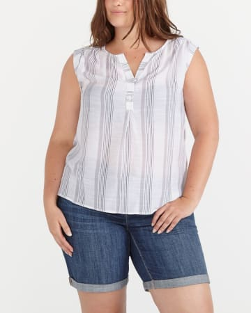Plus Size Sleeveless Printed Blouse