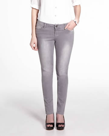 Petite Authentic Slim Leg Jeans