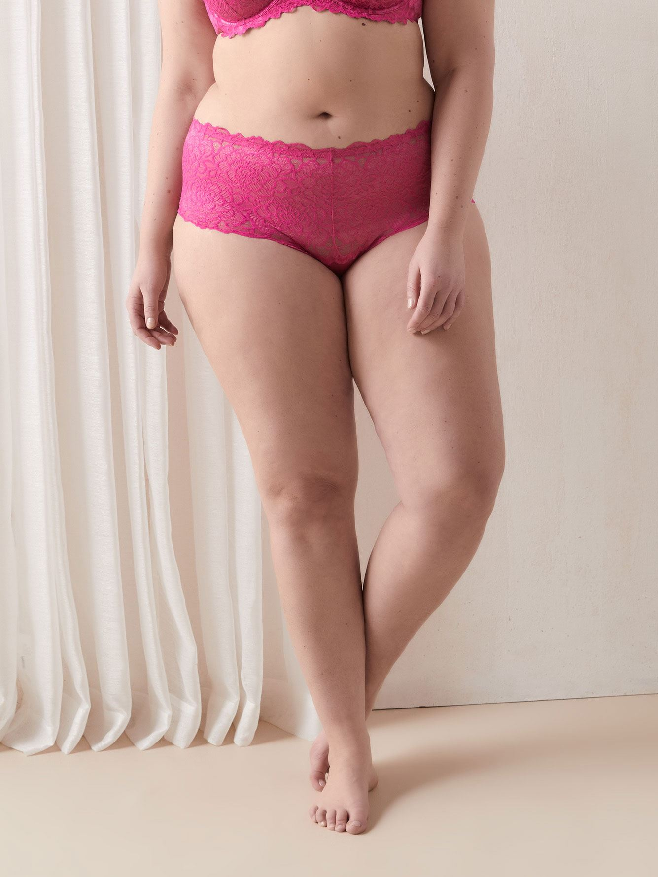 Women/'s La Marquise Comforts Lace Maxi Briefs 3 Pack full coverage Underwear