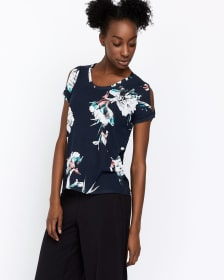 Hyba T-shirt with Twist Cuff