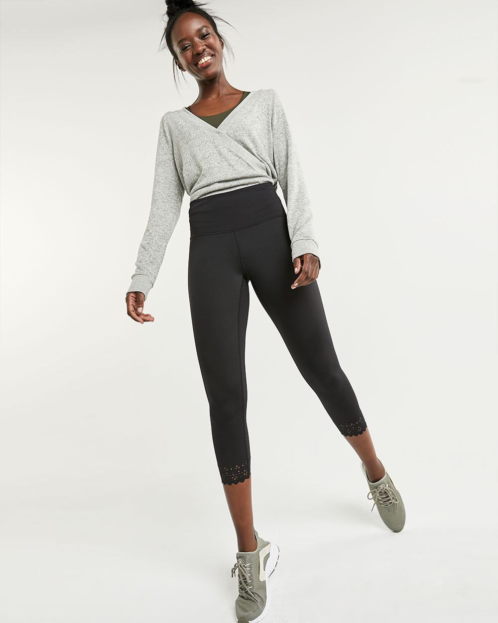 Cropped Leggings with Scallop and Laser Cut Details Hyba