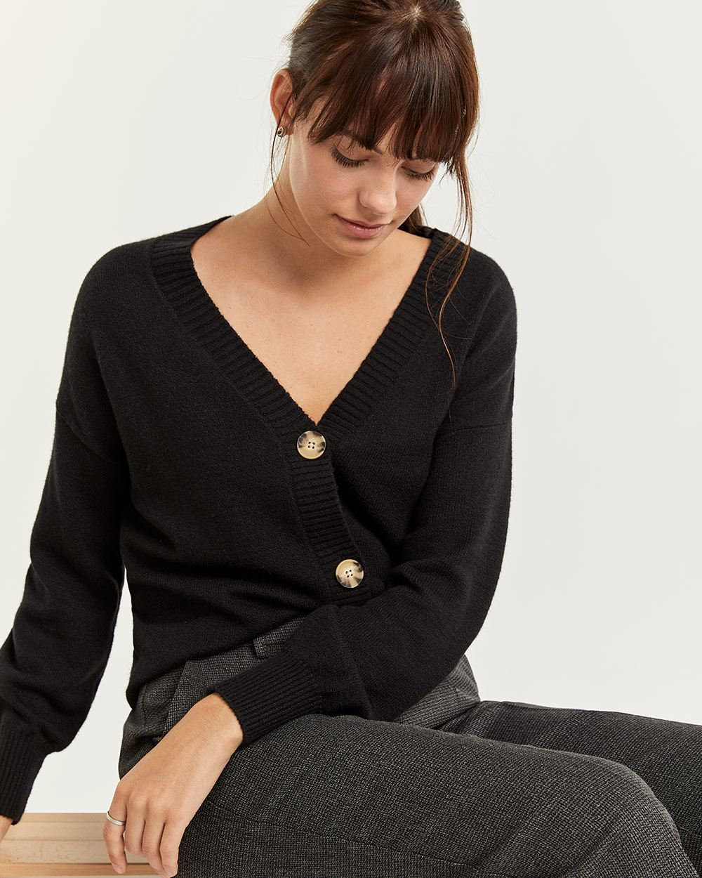 Short Cardigan with 3 Front Buttons