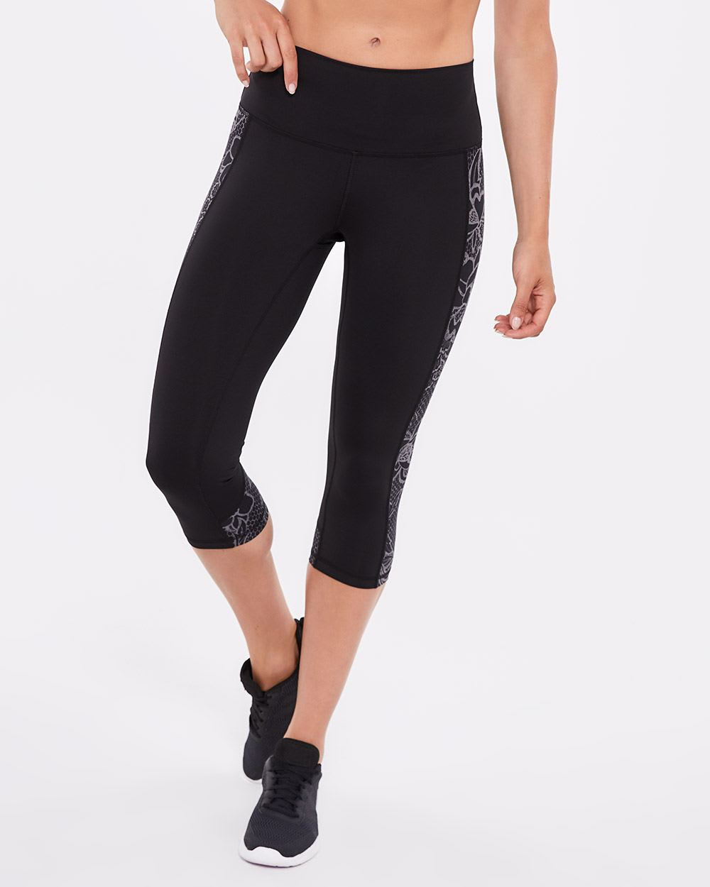 Hyba Capri Legging with Side Print
