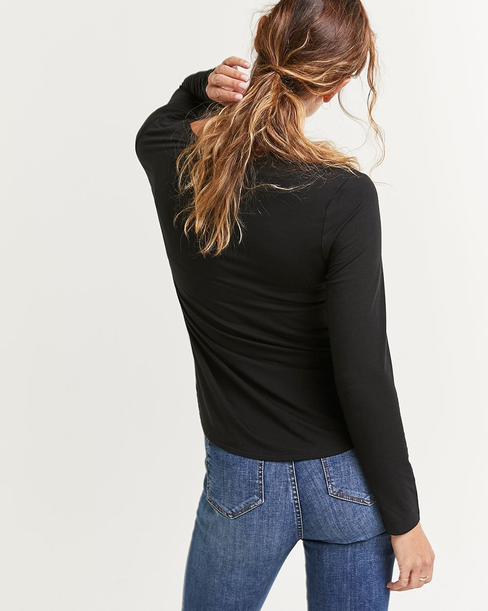 Long Sleeve V-Neck Tee R Essentials