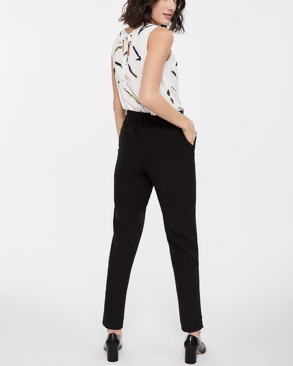 Willow & Thread Buttoned Hem Peg Leg Pants