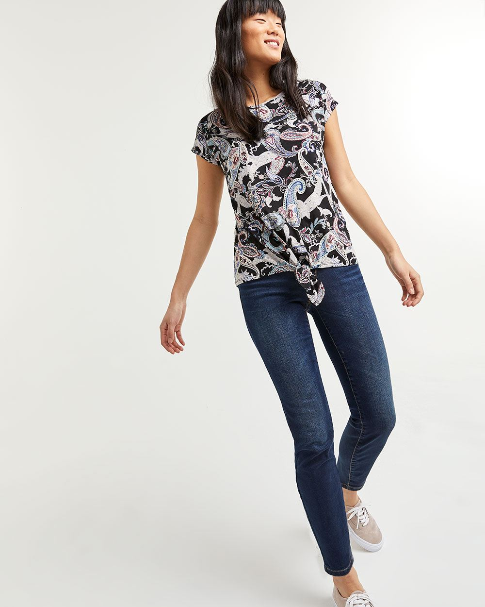Printed Short Sleeve Tee with Front Knot