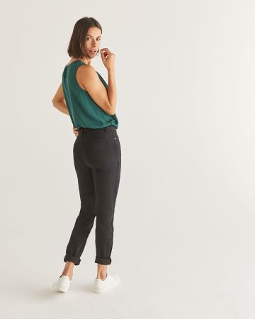 The Black Sculpting Skinny Jeans