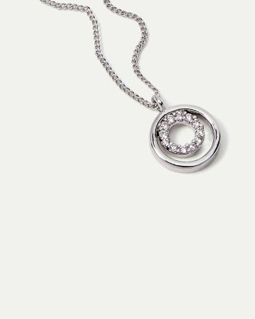 Short Necklace with Circle Pendant