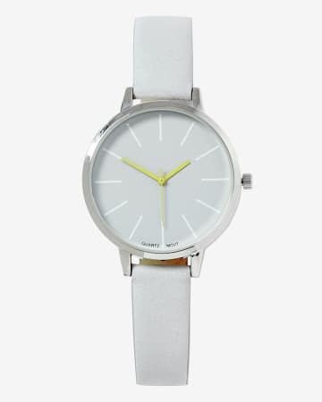 Contrasting Hand Wristwatch
