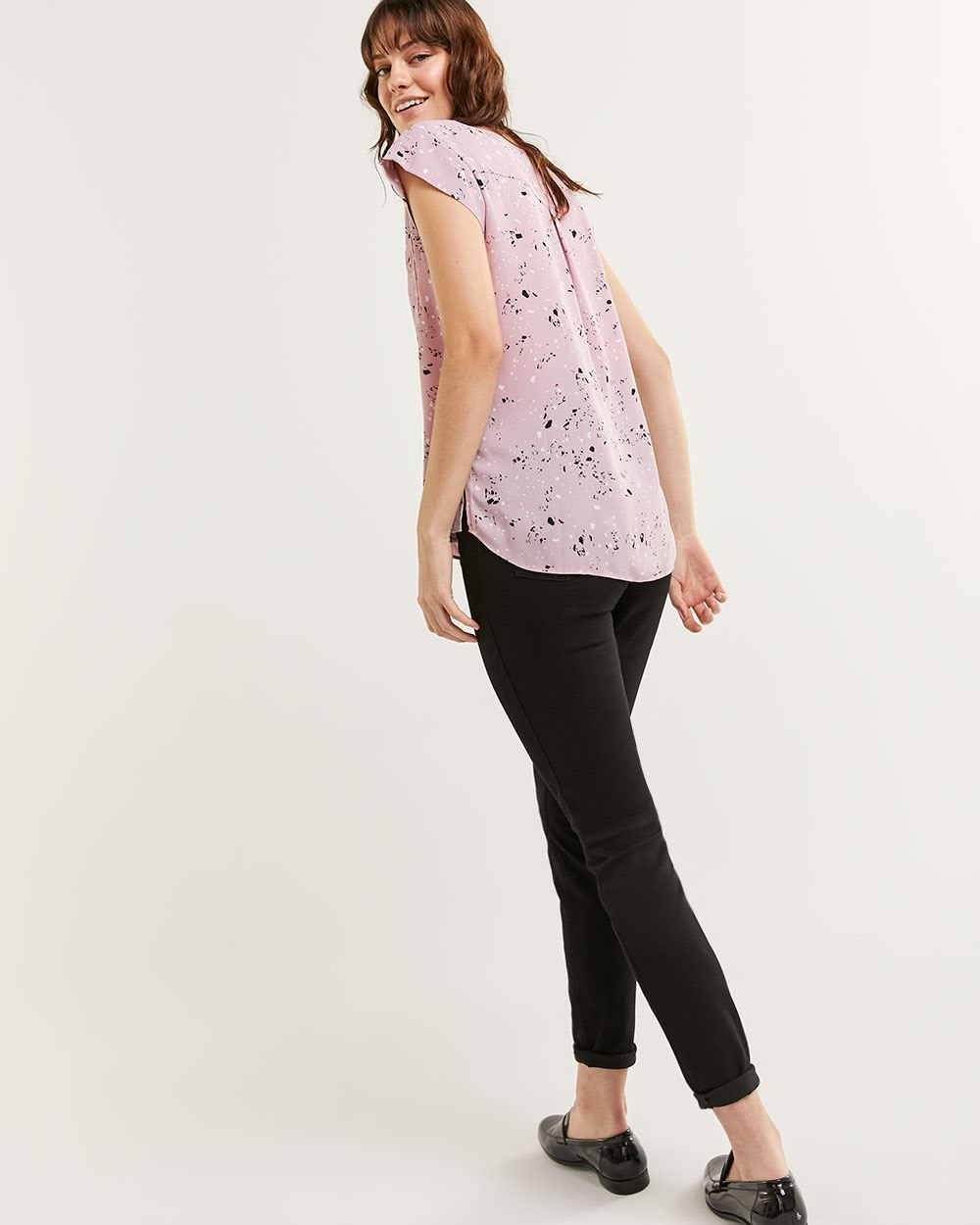 Short Sleeve Scoop Neck Printed Blouse R Essentials