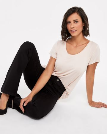 The Signature Soft Petite Boot Cut Jeans