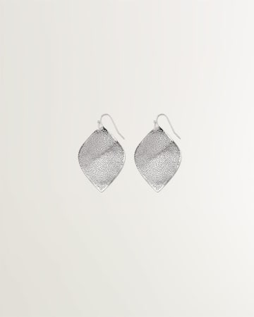 Filigree Leaf-Shaped Pendant Earrings