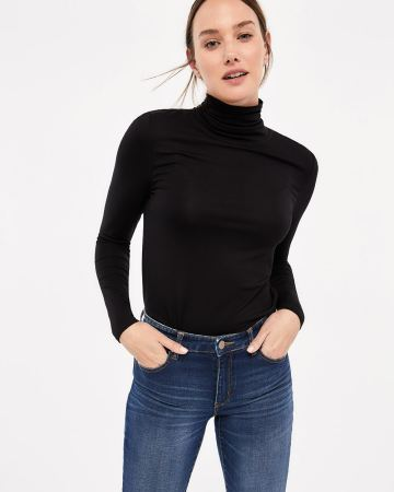 R Essentials Long Sleeve Solid Turtleneck