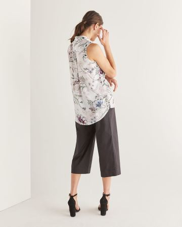 Sleeveless Floral Printed Blouse - Petite