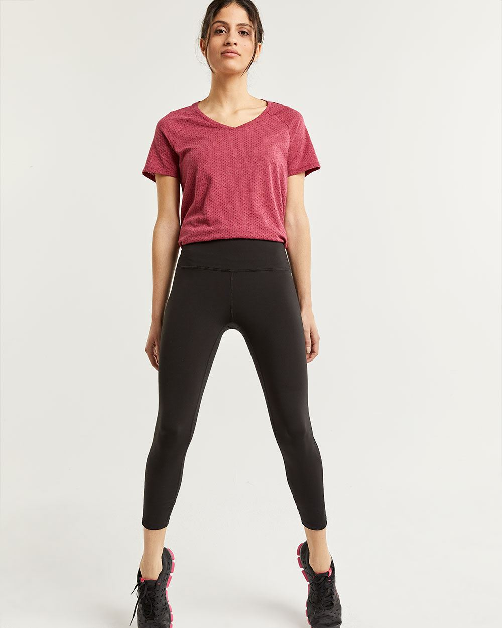 Cropped Black Leggings with Mesh Inserts Hyba