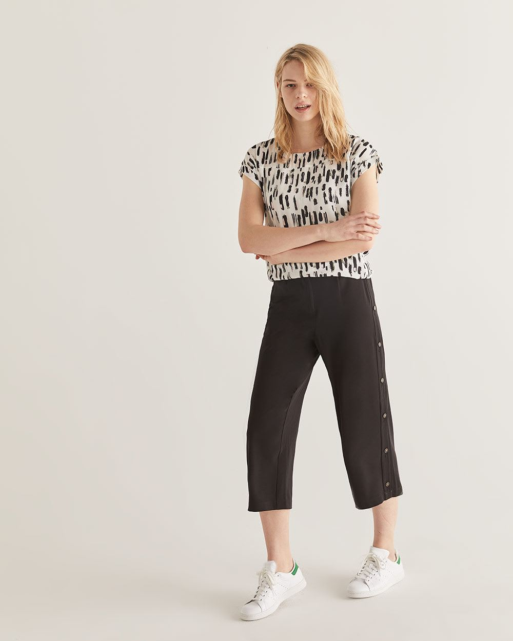 Side Seam Button Wide Cropped Black Pants
