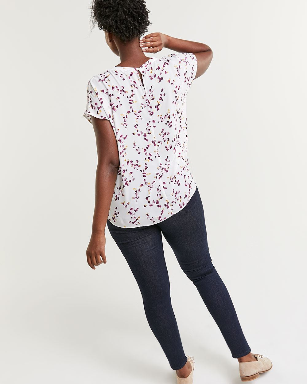 Short Sleeve Printed V-Neck Blouse - Petite