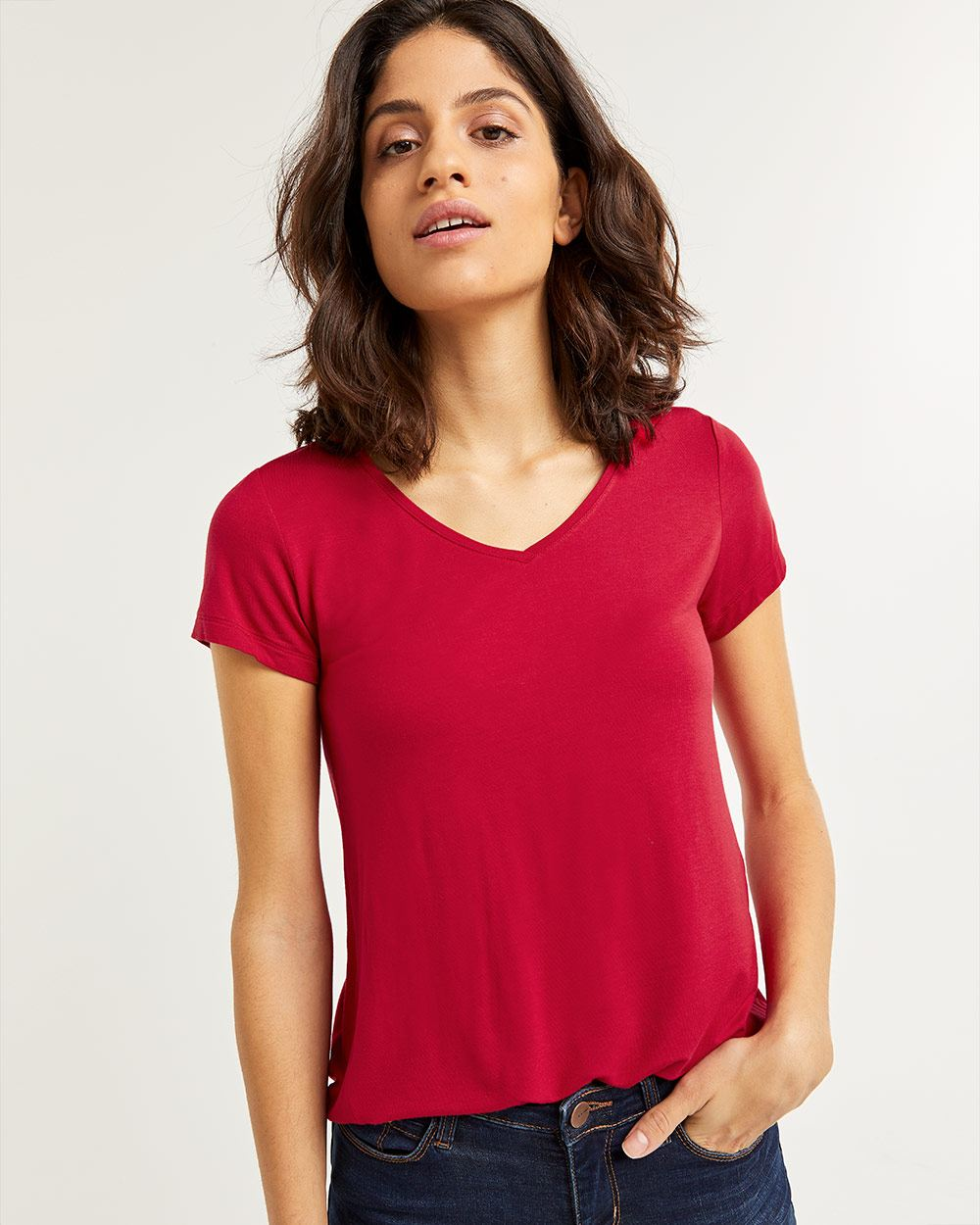 V-Neck Tee R Essentials