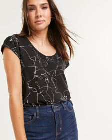 Short Sleeve Scoop Neck Printed Tee