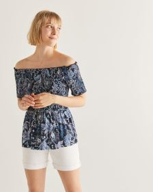 Off-the-shoulder Smocking Printed Top