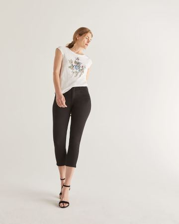 The Signature Soft Cropped Black Jeans - Petite