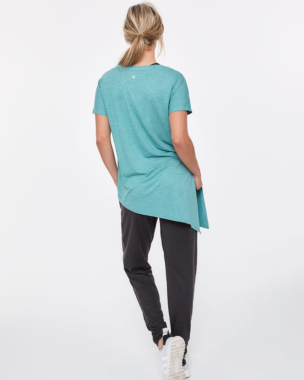 Hyba Asymmetrical Hem Short Sleeve Tee