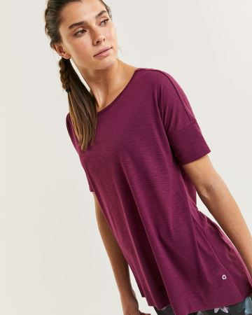 Short Sleeve Reversible Tee with Twist Hyba