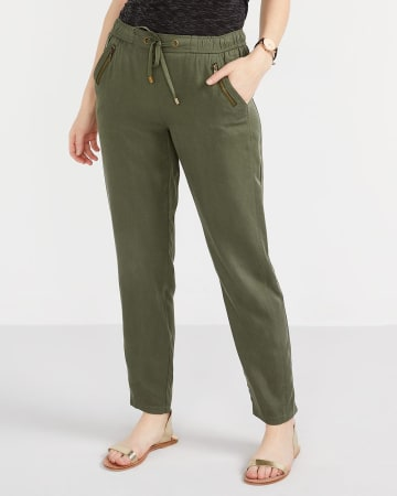 Petite Pull-On Straight Leg Pants