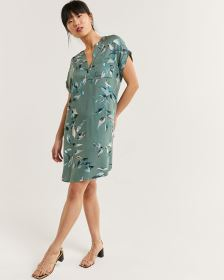 Short Sleeve Split Neck Printed Shift Dress