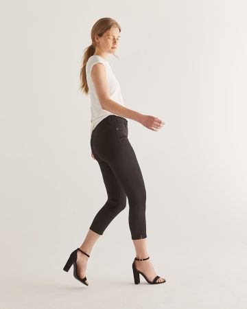 97d3c4b16a7f3b The Signature Soft Cropped Black Jeans