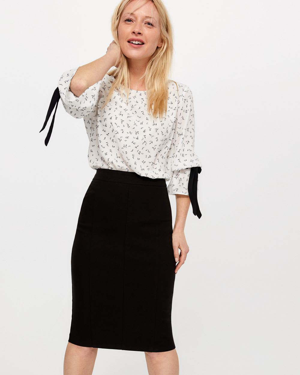 The Iconic Elastic Waist Solid Pencil Skirt