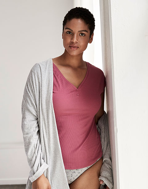 V neck henley tee & robe